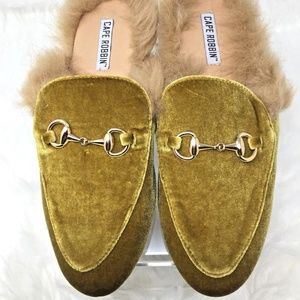 Cape Robbin YOUR MAJESTY Faux Fur Velvet Flats